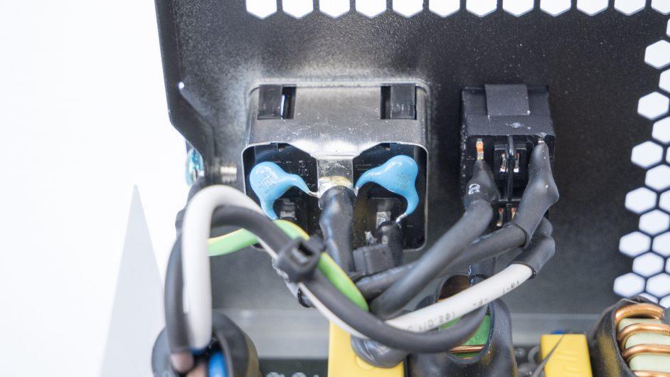 bequiet pure power 10 soldering2