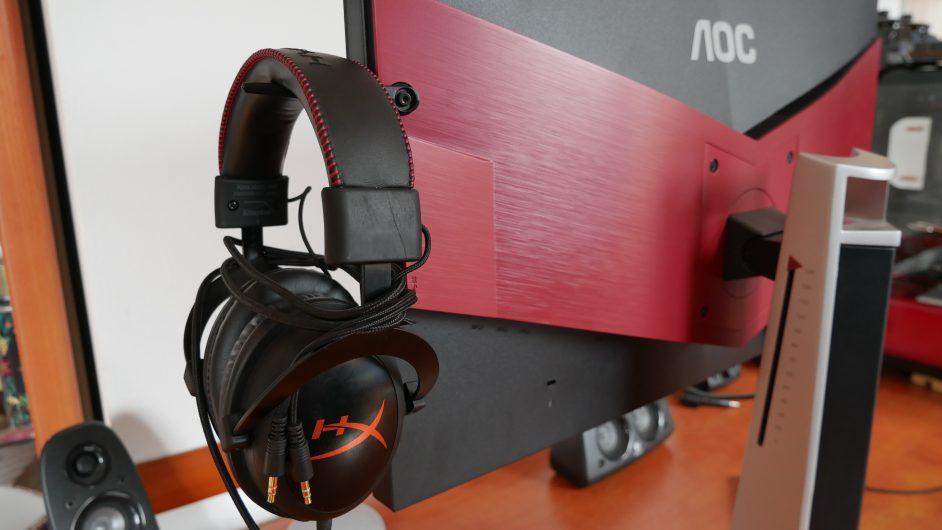 Поставка за слушалки