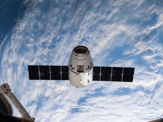 SpaceX Dragon апарат
