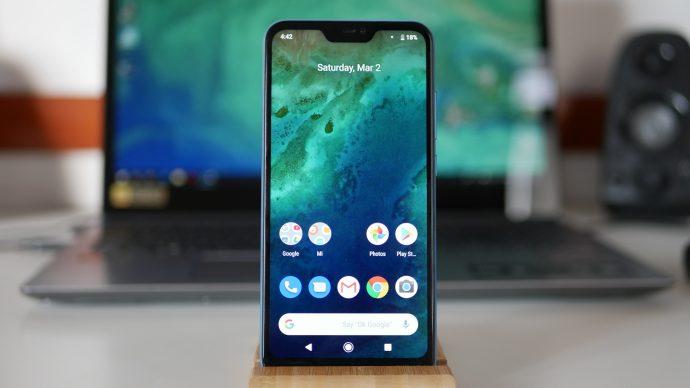 Xiaomi Mi A2 Lite - дисплей