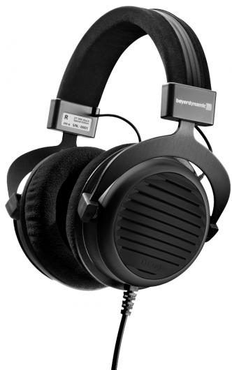 Музикални слушалки Beyerdynamic- идеи за коледни подаръци