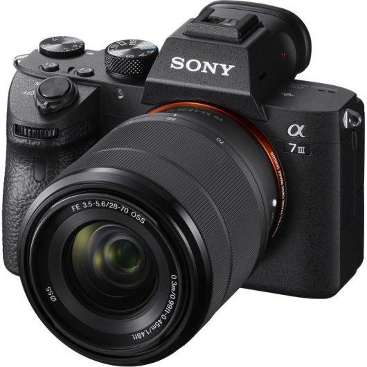 Безогледален фотоапарат Sony A7 III - идеи за коледни подаръци